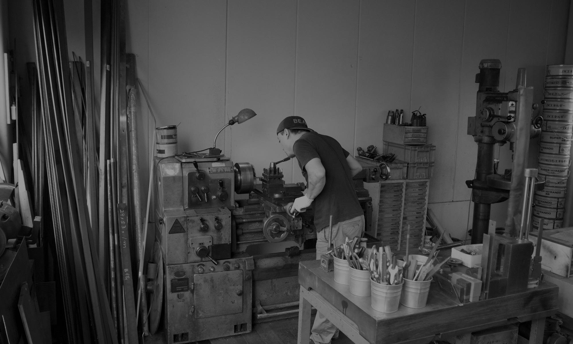 工業の町 兵庫県長田で木工機械を取り扱っています。